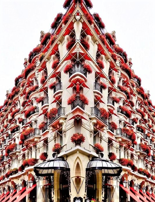 grande palazzo a Parigi con tanti gerani